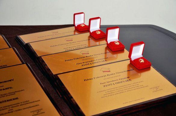 nagrody_i_wyroznienia
